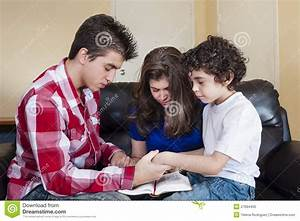 Christian Children Praying | www.imgkid.com - The Image ...