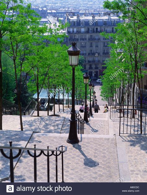 les escaliers de la butte mouloudji les escaliers de la butte montmartre stock photo royalty free image 527580 alamy