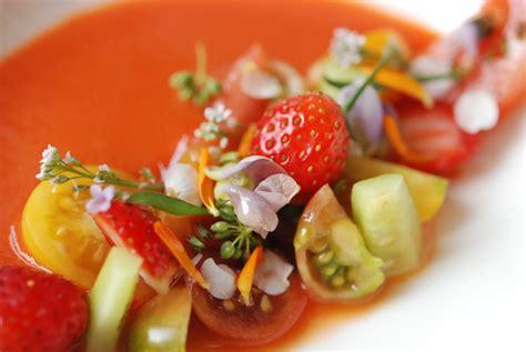 cuisiner tomates cuisiner avec des fleurs c est possible le des