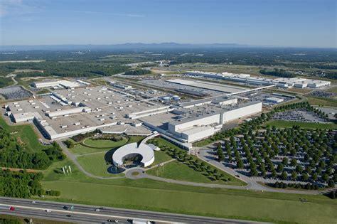 bmw celebrates extension  spartanburg sc plant