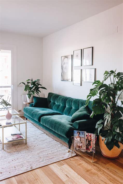 green sofa living room 10 fall 2017 decor trends fall 2017 decor trends