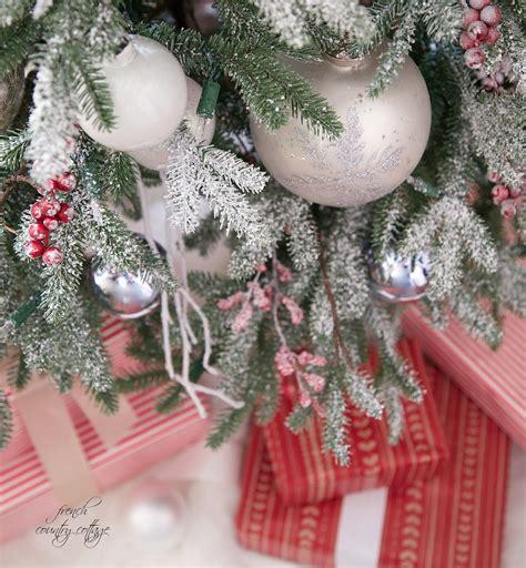simple rustic cottage christmas tree decorating ideas