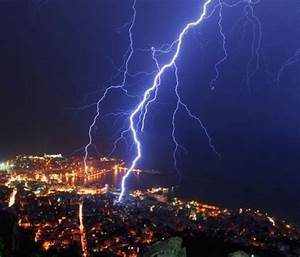 10 AWESOME Photos of Lightning! #6 is INCREDIBLE!