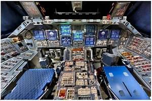 RR: Space Shuttle 360-degree Flight Deck View