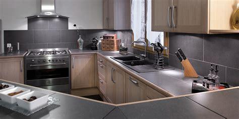 cuisine en noir cuisine bois et noir cuisines en bois cuisines et modles