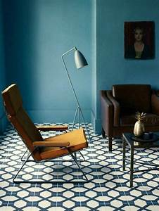 les 25 meilleures idees de la categorie fauteuil bleu With choix couleur peinture mur 4 la couleur jaune moutarde pour un interieur chaleureux