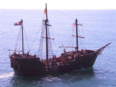 Hawaii Pirate Ship Adventures - Pirate Daytime Cruise ...