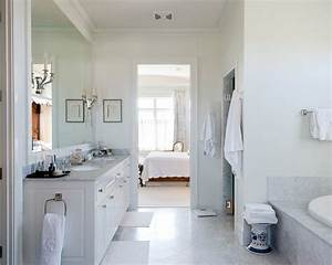 Traditional bathroom design ideas home design ideas for Pictures of traditional bathrooms