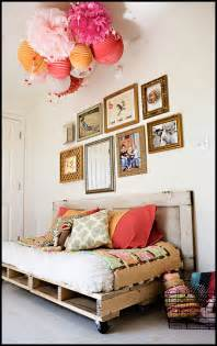 diy pallet reading bed for the nursery 187 ashleyannphotography com