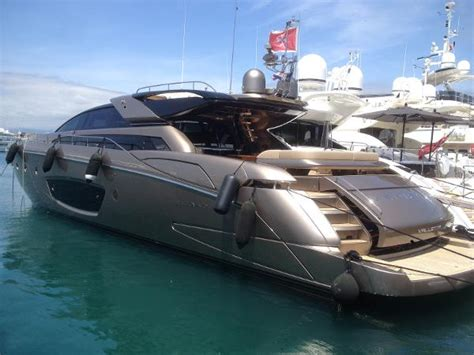 Riva Yacht In Kenny Chesney Video by 2012 Riva Domino Cannes France Boats