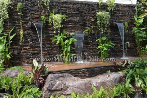 ตัวอย่างสวนน้ำด้วยหินเทียม