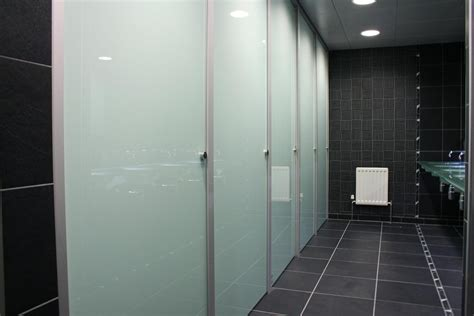 bathroom partitions  glass toilet cubicles glass