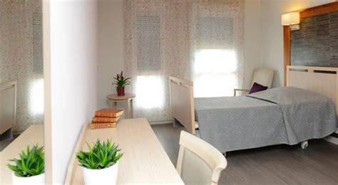 chambre maison de retraite mobilier chambres maison de retraite ehpad collinet