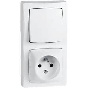 interrupteur prise avec terre appareillage saillie bo 238 tier vertical blanc legrand