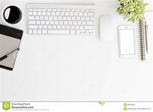 Bureau Plan De Travail : bureau blanc d 39 espace de travail sur le dessus photo stock ~ Preciouscoupons.com Idées de Décoration