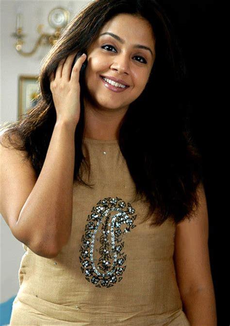 tamil actress jyothika biodata jyothika latest wallpapers online 123cinegallery