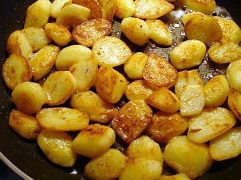 cuisiner courgettes poele les 25 meilleures idées de la catégorie pommes de terre à la poêle sur saucisse