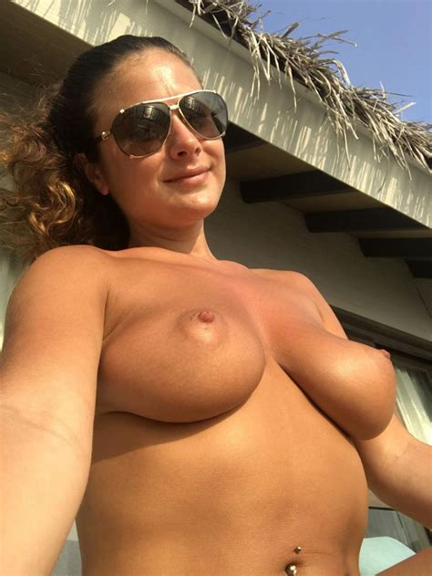 Kelly Hall Leaked Nudes — Model Showed Her Big Tits
