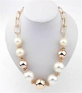 Coiffure mariage cette combinaison collier cou for Robe pour mariage cette combinaison collier femme