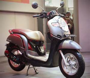Specs All New Scoopy 2017  Mesin Sama Tapi Upgrade Fitur