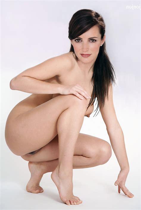 Kristin Davies Nude Pictures