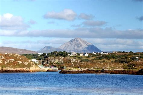 holiday cottages  gweedore donegal  catering cottages