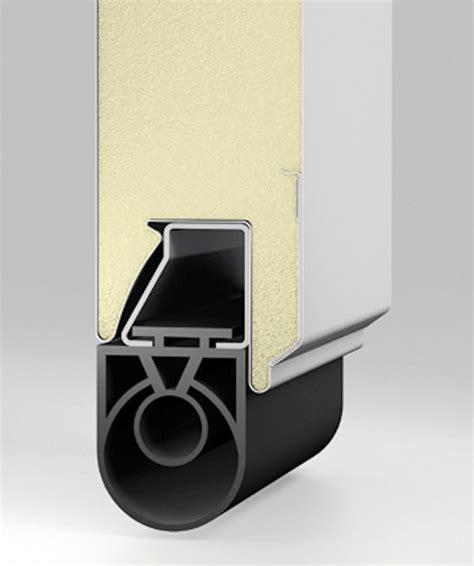 joint haut de porte sectionnelle tableau isolant thermique