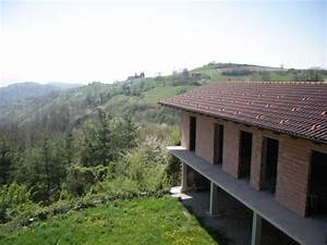 Immobilien In Italien Von Privat : landhaus und grundst ck auf den h geln langhe italien ~ Frokenaadalensverden.com Haus und Dekorationen