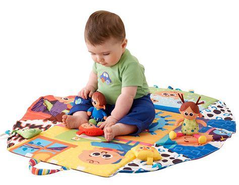 Развивающие игрушки своими руками для детей 0-5 лет