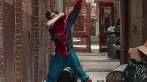spider man homecoming trailer shows  spideys