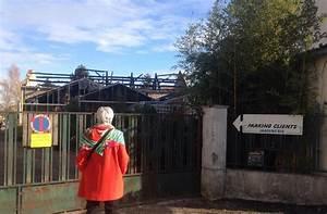Plombier Le Mesnil Saint Denis : un lan de solidarit apr s l incendie de la jardinerie au ~ Premium-room.com Idées de Décoration