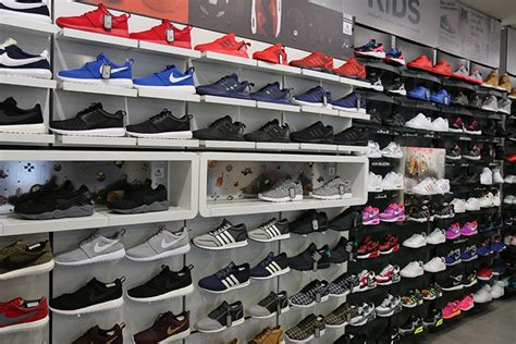 foot locker home view foot locker unveils e commerce b t 35417