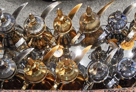 coffee dubai pot arabic souvenirs bring hangouts hidden ultimate coghlan credit michael pots souvenir emirates arab united travelvui