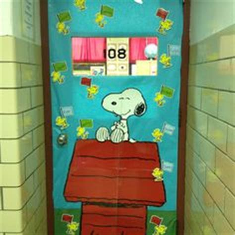 snoopy classroom door decorations 1000 images about snoopy school on snoopy
