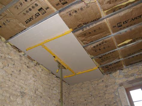 plafond en placo sur rail pose placo plafond sur rail maison travaux