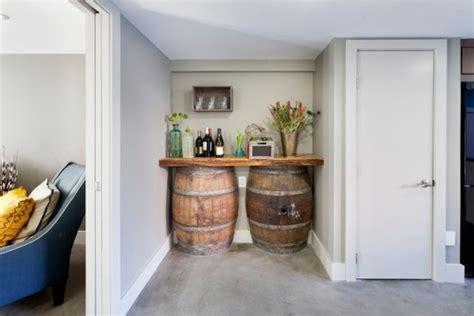 chambrer un vin 9 idées originales de déco avec des tonneaux récupérés