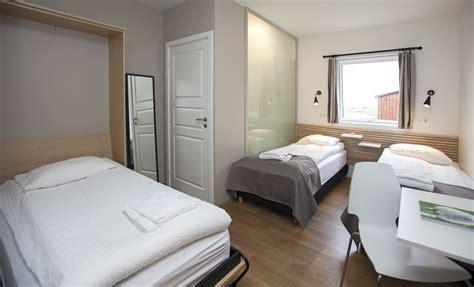 chambre pour 4 personnes chambre standard pour trois personnes the highland center