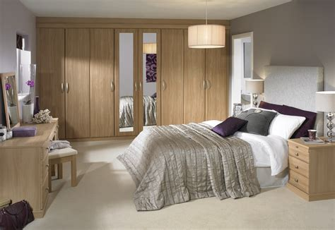 Fitted Bedroom Ideas For Small Rooms by Fitted Bedroom Furniture Benefits Homedee