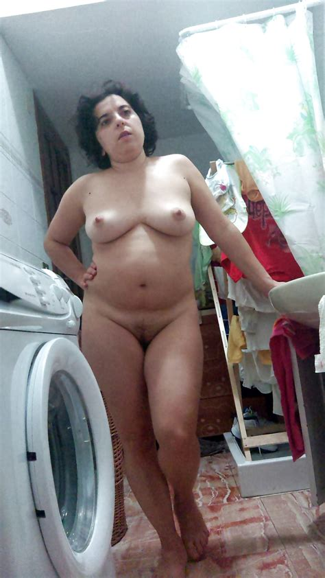 Gorgeous Italian Wife Patty Loves Being Exposed 28 Pics