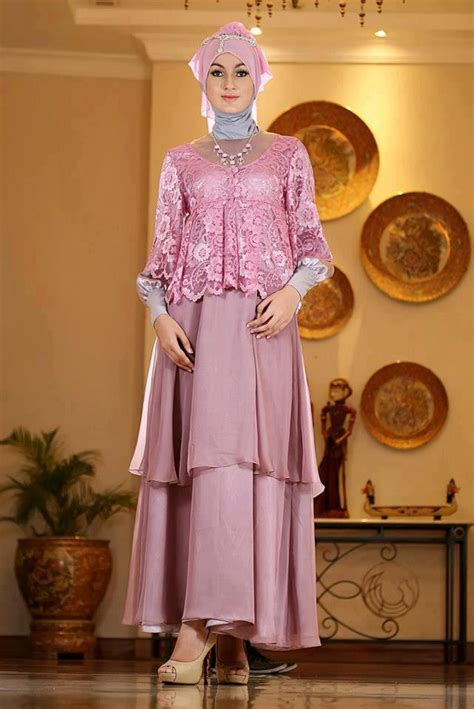 dress ungu cantik koleksi baju pesta muslim terbaru yang cantik mempesona