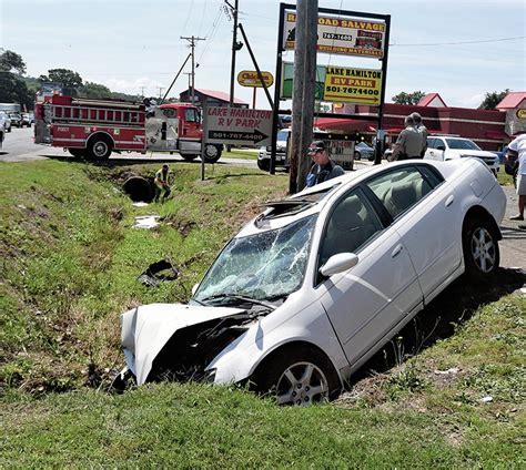 photo  hurt  car runs  highway  arkansas