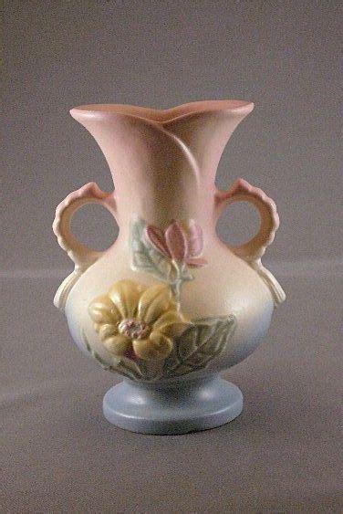 hull vase    magnolia pattern