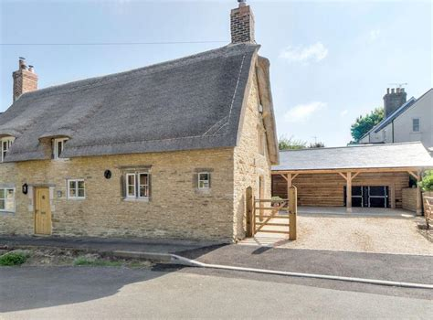 Tom Cottage In Wing, Near Oakham, Leicestershire Sleeps 6