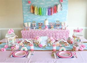 How to Host a Dreamy Rainbows and Unicorns Party!
