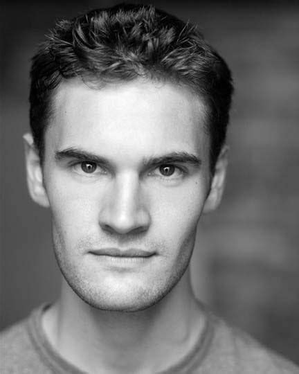 tom bateman reporter tom bateman wikipedia actor