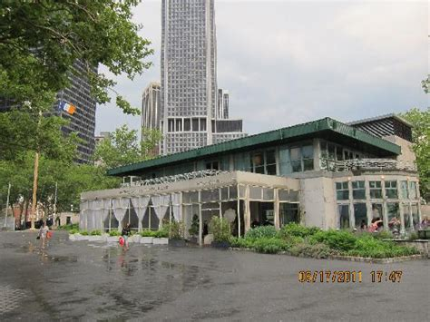 outside view picture of battery gardens new york city