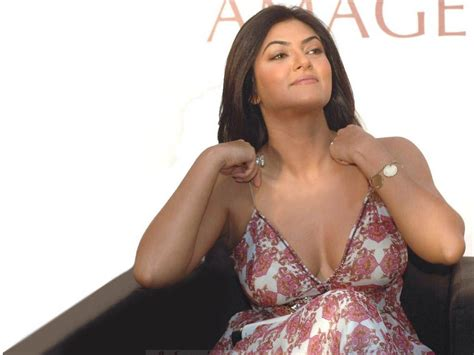 Sushmita Sen hot images Bikini Wallpapers & Actress