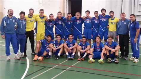 The team participated in the 2001 world women's handball championship, placing 16th. Sieg und Niederlage für Italiens Handball-Herren ...