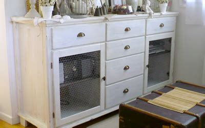 repeindre meubles de cuisine mélaminé relooking céruser un meuble basique côté maison