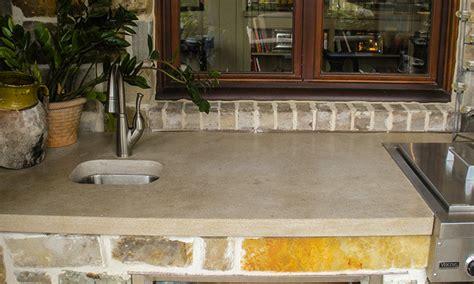 limestone outdoor kitchen 5sc indiana limestone countertop in outdoor kitchen tracerystone com